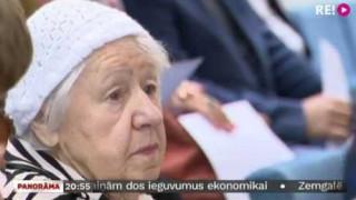 Svinīgais pilsoņa solījums 97 gadu vecumā