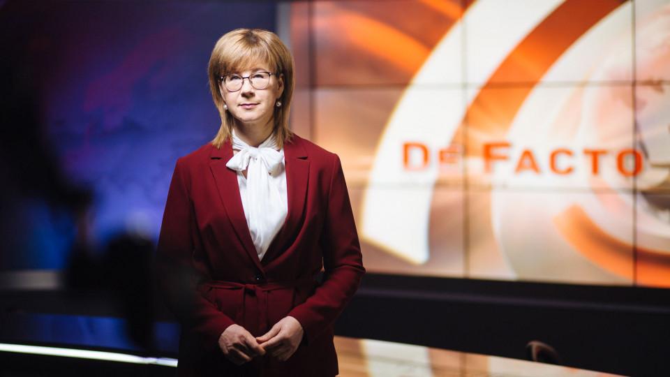 """Latvijas Televīzijā pēc vasaras pārtraukuma atgriežas raidījums """"De Facto"""""""