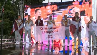 Dienas momentā - Latvijas 3x3 basketbola Zelta puiši ierodas mājās