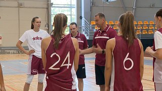 Latvijas sieviešu basketbola izlase aizvada treniņus